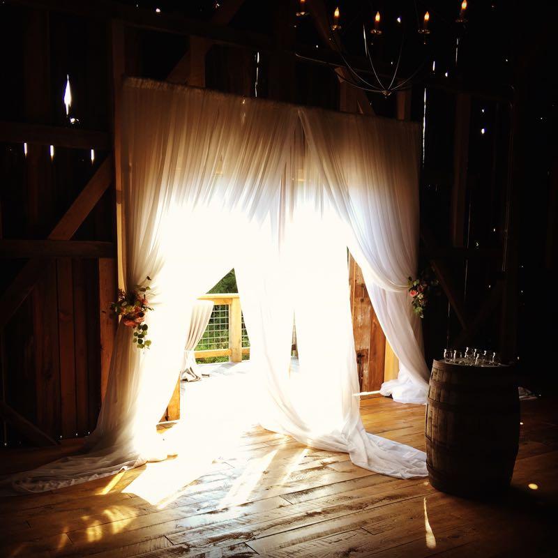Barn doors at Starry Night Barn and Studios