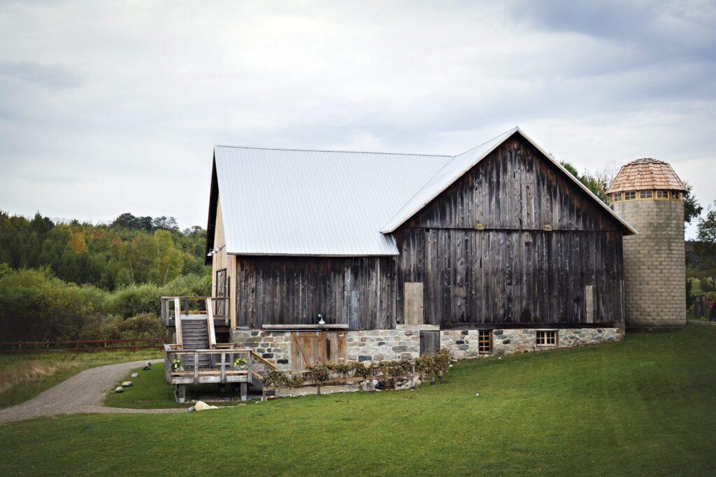 Starry Night Barn and Studios Wedding Barn