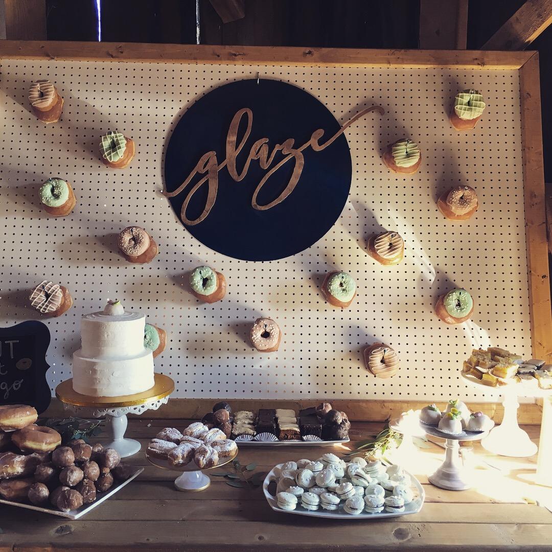 Starry Night Barn and Studios Wedding desserts
