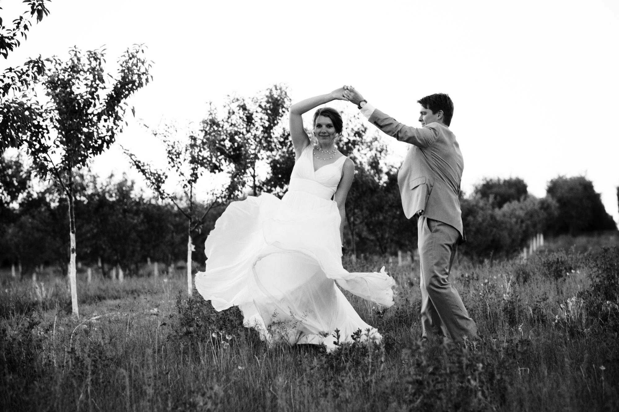 Couple dancing at Starry Night Barn and Studios
