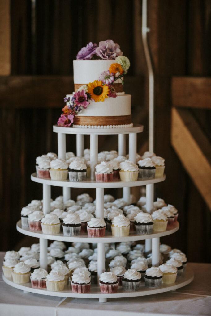 Starry Night Barn Wedding cake