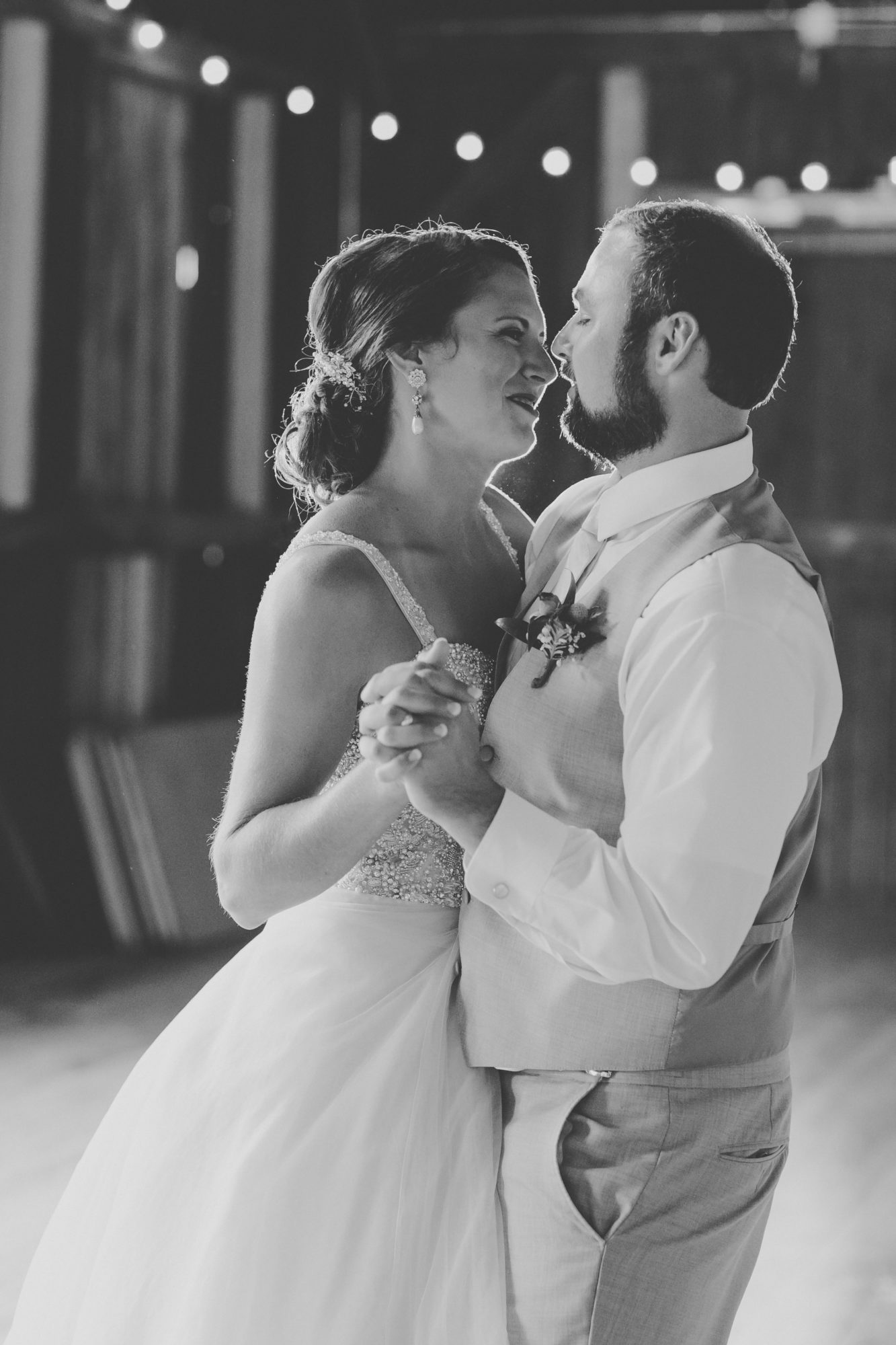 Dancing couple at Starry Night Barn and Studios
